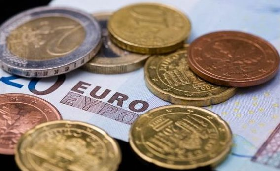 Juncker: Toate ţările UE trebuie să adere la zona euro. Când ar putea adera Bulgaria