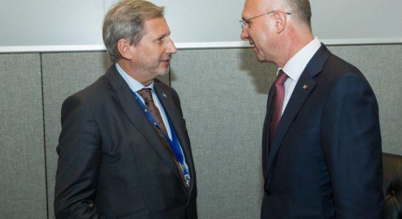 Filip l-a asigurat pe comisarul european Hahn că Guvernul va îndeplini toate condiţiile pentru a primi ajutorul de 100 de milioane de euro