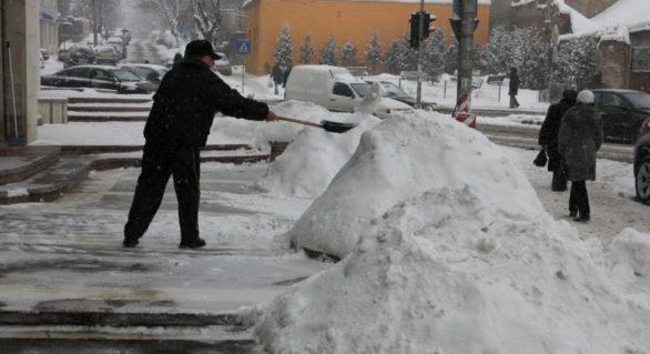 Avertizare: Ne aşteptăm la o iarnă cu viscol şi ninsori abundente