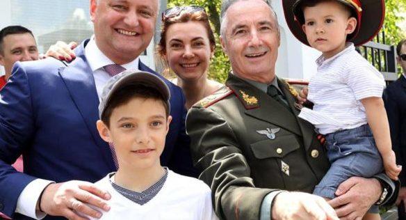 Igor Dodon îl propune pe generalul Victor Gaiciuc la funcţia de ministru al Apărării: Pe cei doi îi leagă o prietenie de ani buni