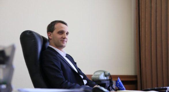 Şef la Apărare fără experiență în domeniul militar; Cine este Eugen Sturza