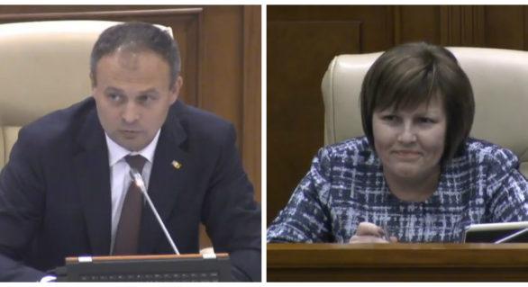 """Tentativă de corupere în plenul Parlamentului? Candu a făcut trimitere la """"relaţii"""", pentru a organiza masa unui deputat"""