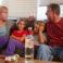 (STUDIU) Consecințele consumului de alcool al părinților asupra dezvoltării emoționale a copiilor
