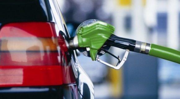 Nicio săptămână fără noi scumpiri, chiar dacă dolarul se depreciază; Cât vor costa benzina și motorina de mâine