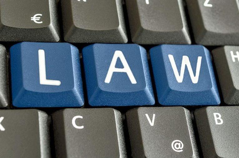 """Zece mii de dosare penale digitalizate de procurori. Avantajele """"E-dosarului"""""""
