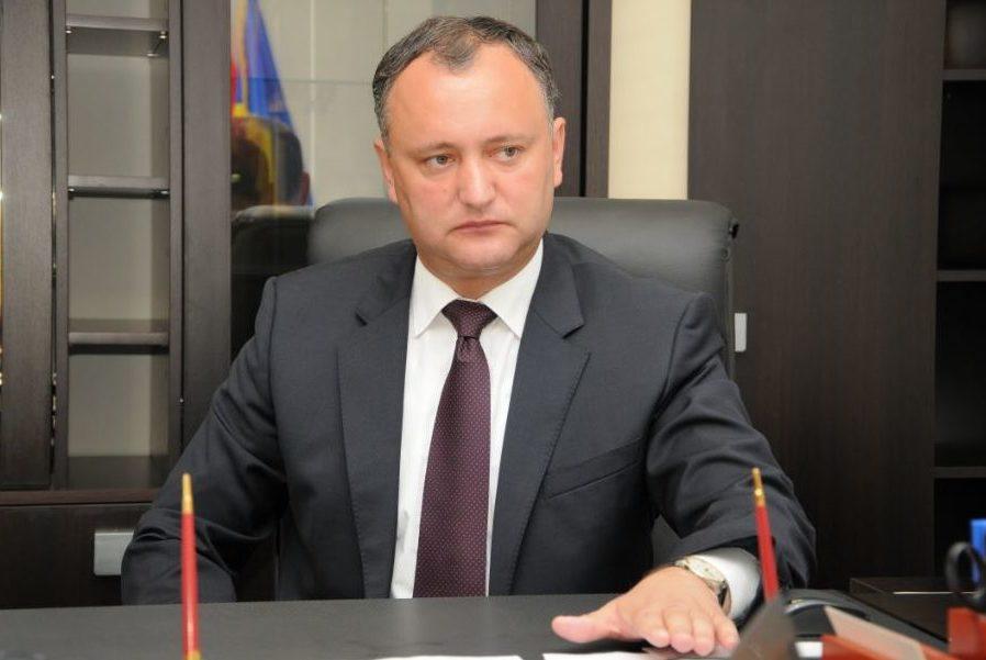 """Dodon tună și fulgeră pentru """"limba moldovenească"""": """"Poporul va ieși masiv în stradă"""""""