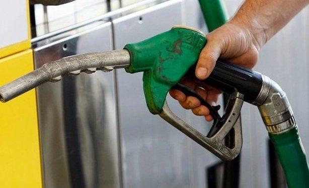 ANRE a majorat, din nou, prețurile la carburanţi; De mâine, benzina ar putea costa aproape 18 lei