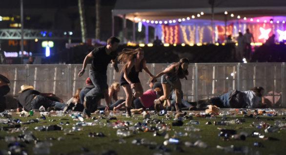 Cine este atacatorul din Las Vegas care a ucis cel puţin 50 şi a rănit peste 200 de persoane. Poliţia o caută pe partenera acestuia