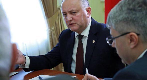 Dodon vrea să împânzească ţara cu birouri în care să primească cetăţenii: Primele vor fi deschise la Rezina, Coșnița şi Varniţa
