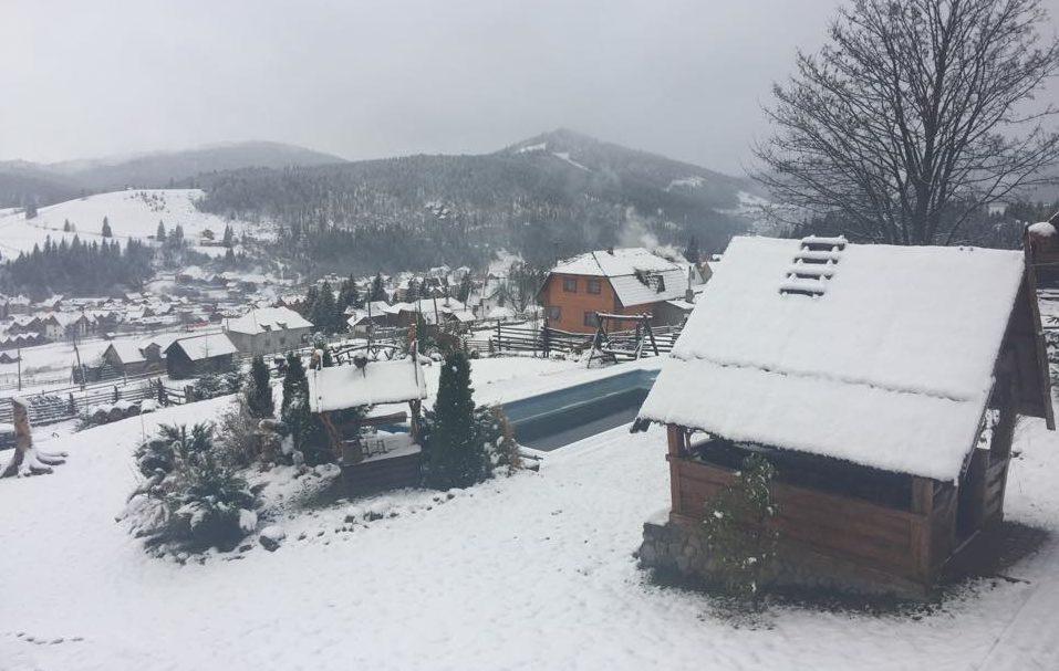 (GALERIE FOTO) În Ucraina deja ninge; În curând va cădea prima ninsoare şi în Republica Moldova
