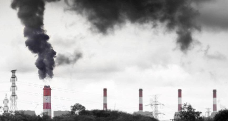 """Invenţia care poate face ecologică industria energiei pe combustibili fosili; Un """"supercatalist"""" reciclează dioxidul de carbon şi metanul"""