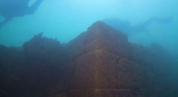 Cetate veche de 3.000 de ani, găsită pe fundul unui lac în Turcia. Arheologii anunță un nou câmp de cercetare