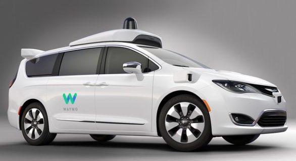 Robo-taxi: grupul care deține Google va lansa primul serviciu de taximetrie cu mașini fără șoferi