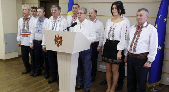 Câţi bani au donat Mihai Ghimpu, Alina Zotea şi alţi deputaţi PL pentru referendumul de demitere a lui Dorin Chirtoacă