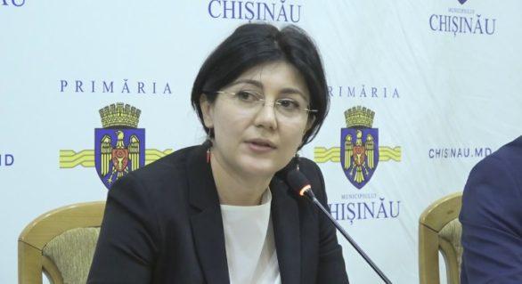 (VIDEO) Corigentă la gramatică? Silvia Radu, apostrofată de liberali pentru limbajul său