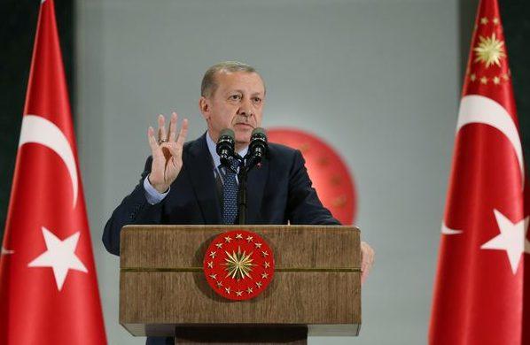 """Turcia consideră """"ridicole"""" acuzaţiile că ar fi oferit bani în schimbul extrădării lui Fethullah Gulen"""