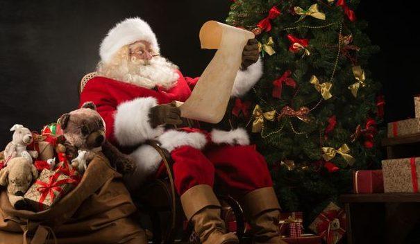 """Cea mai bizară scrisoare trimisă de un copil: a fost """"obligat"""" să îi scrie lui Moş Crăciun"""