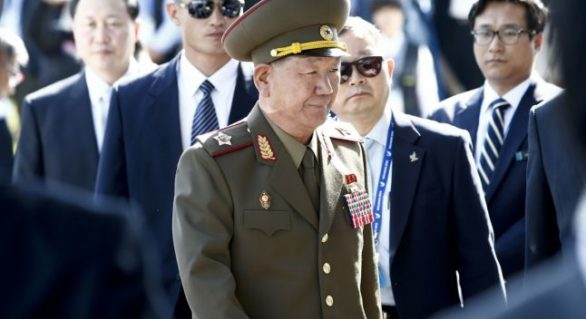 Dispariţie misterioasă la vârful armatei nord-coreene: Kim Jong-un, acuzat că a ordonat execuţia mâinii sale drepte