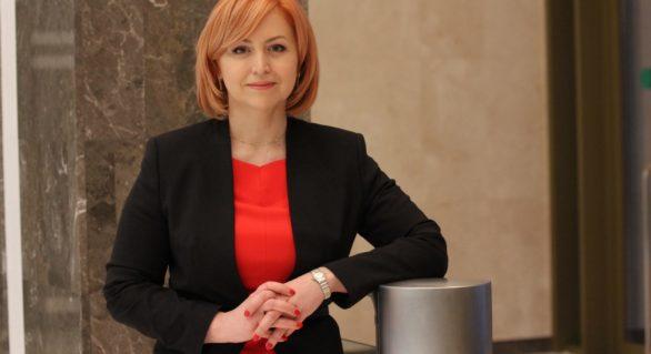 Comunista Oxana Domenti şi-a depus mandatul de deputat