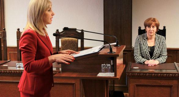 Curtea Constituţională a validat mandatul de deputat al Alionei Babiuc, aleasă pe lista PCRM. Cărei fracţiuni se va alătura