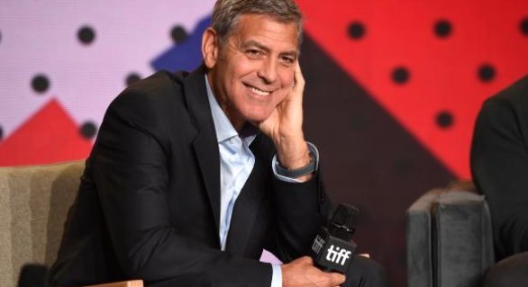 George Clooney le-a dăruit prietenilor câte un milion de dolari