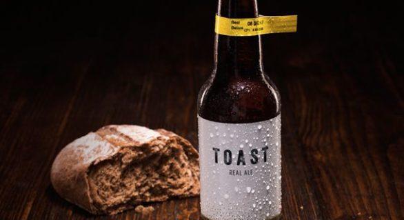 O companie britanică transformă pâinea în bere pentru a combate risipa alimentară
