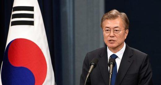 """Moon Jae-in îndeamnă la """"un nou început"""" în relaţiile cu China, în timpul vizitei la Beijing"""