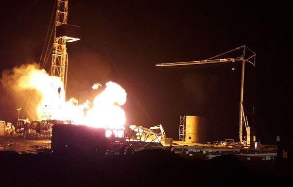 Situaţie gravă în România; Pompierii nu pot stinge incendiul de la o sondă de gaz din județul Satu Mare