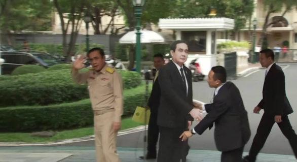 Gestul provocator al premierului Thailandei care i-a lăsat fără cuvinte pe jurnaliști