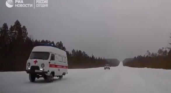 """(VIDEO) Ambulanță pe """"trei roți"""" în Rusia! Imaginile fac înconjurul lumii"""