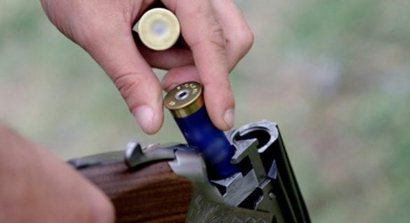 Tatăl adolescentului care a împuşcat un minor la Teleneşti, trimis în judecată