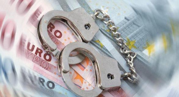 Ar fi pretins și primit peste 500 de euro pentru un permis de conducere. Acum riscă până la 6 ani de închisoare