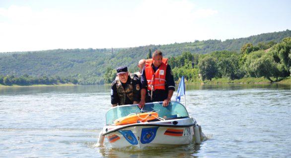 Salvatorii din nordul țării instruiți cum să conducă bărci și nave cu motor în operațiuni de salvare