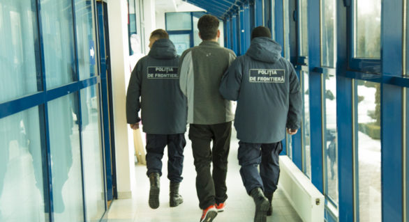 Rus căutat de Interpol, reținut pe Aeroportul Chișinău și urmează a fi extrădat autorităților elvețiene