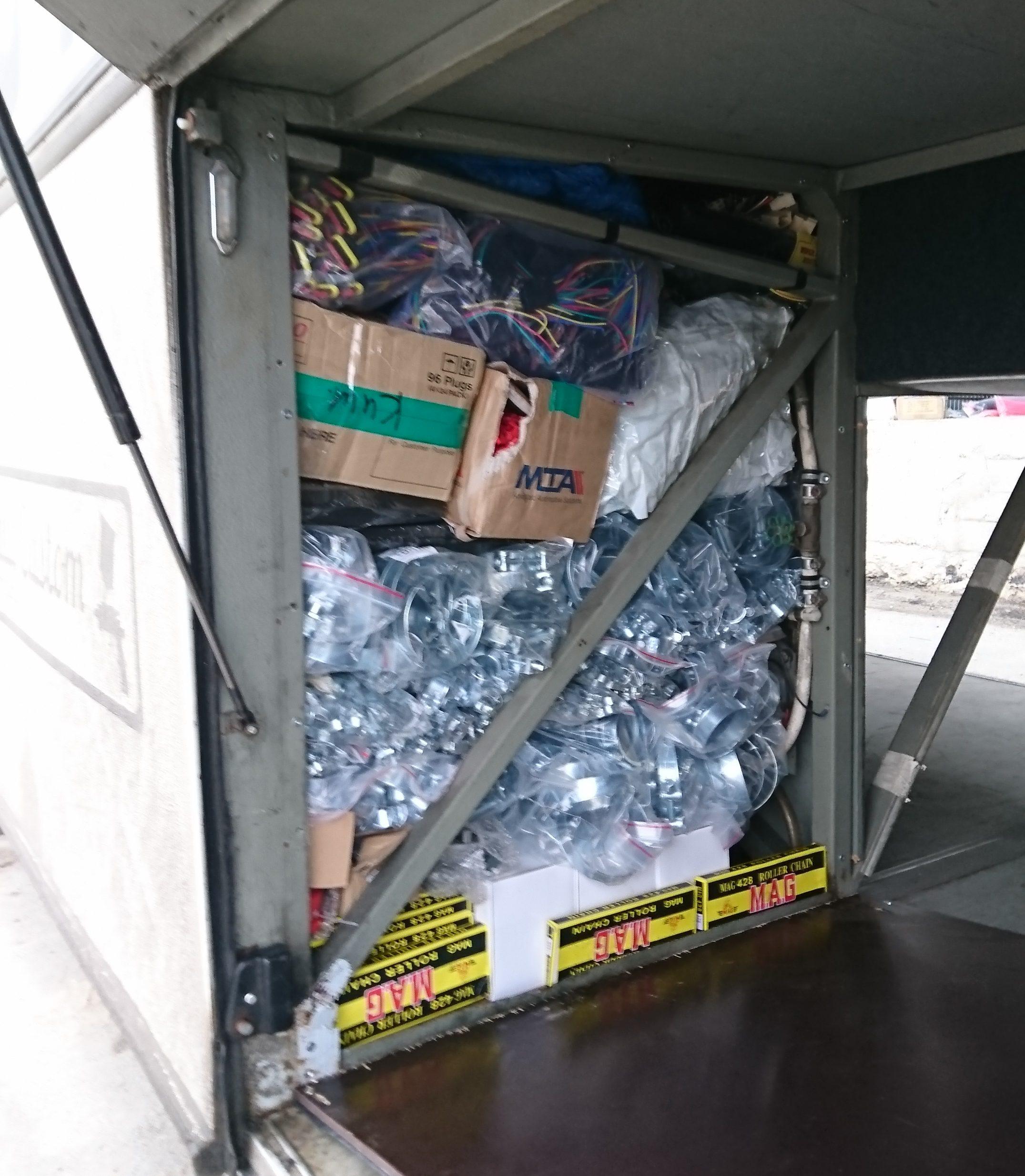 Accesorii pentru instalații sanitare și piese auto-moto, în valoare de peste 150 mii lei, depistate de echipele vamale mobile