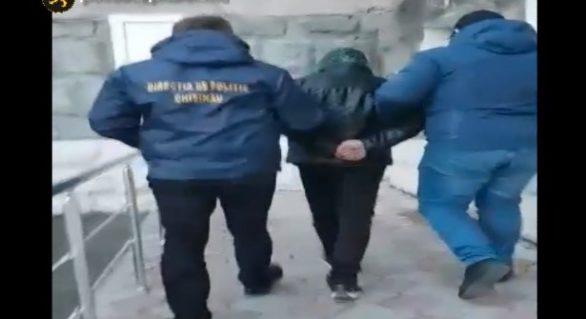 (VIDEO) Comerciant de droguri, reținut de oamenii legii. Acesta riscă până la 15 ani de închisoare