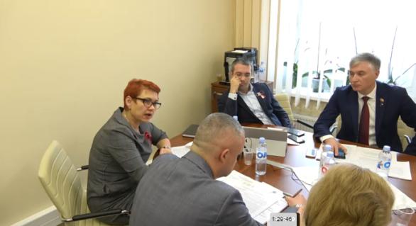 """Video scandalos: Sergiu Sîrbu către un activist civic: """"Auzi tu, clovnule, am să-ți spun acuș cine-i agramat. Ieși afară"""""""
