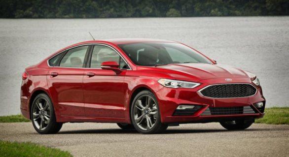 Ford recheamă la service 1,4 milioane de mașini din America de Nord după ce un șofer a rămas cu volanul în mână