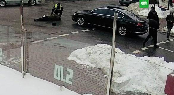 Cortegiul președintelui ucrainean Petro Poroșenko a lovit un pensionar care traversa neregulamentar