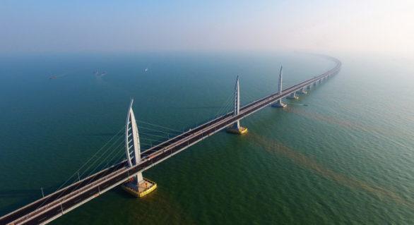 Cel mai lung pod maritim, de circa 55 km, va fi inaugurat în acest an de China