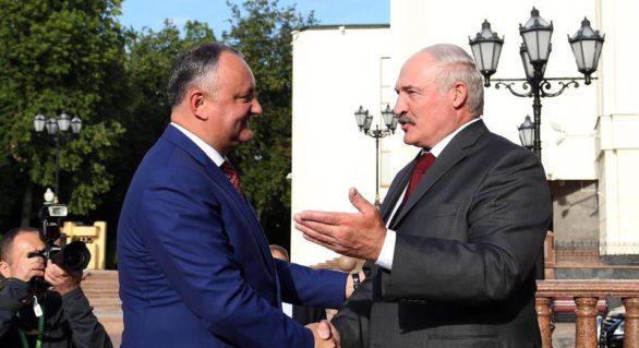 Alexandr Lukașenko va întreprinde o vizită oficială în Moldova unde va dona câteva unități de tehnică