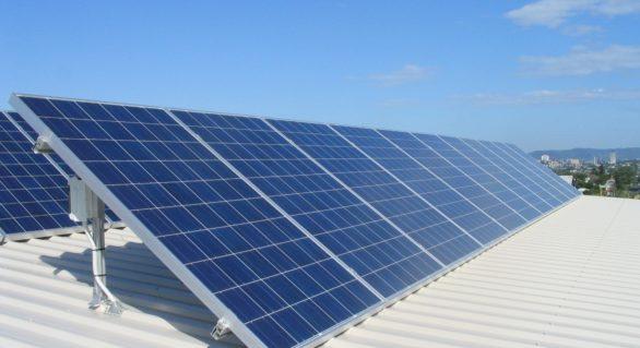 """Licitații trucate la achiziționarea panourilor solare. Administratorul Oficiului """"Schimbarea climei"""" și trei agenți economici, cercetați penal pentru abuz de putere"""