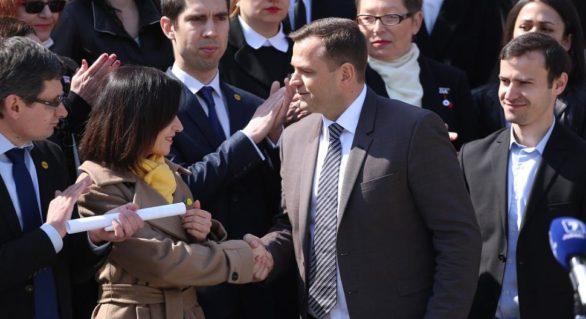 Maia Sandu îndeamnă formațiunile pro-europene să susțină candidatura lui Andrei Năstase, chiar dacă și-au anunțat deja candidații proprii