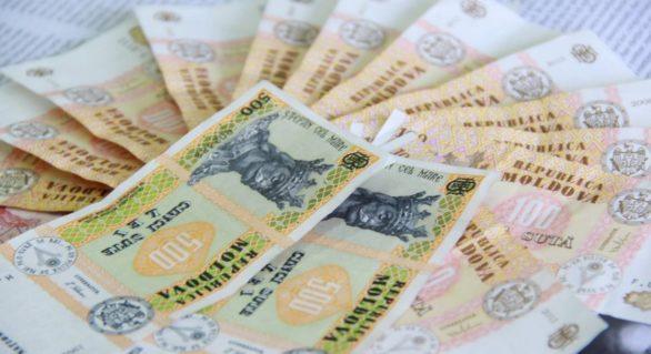 Salariul minim în sectorul real se majorează cu 230 de lei, până la 2.610 lei