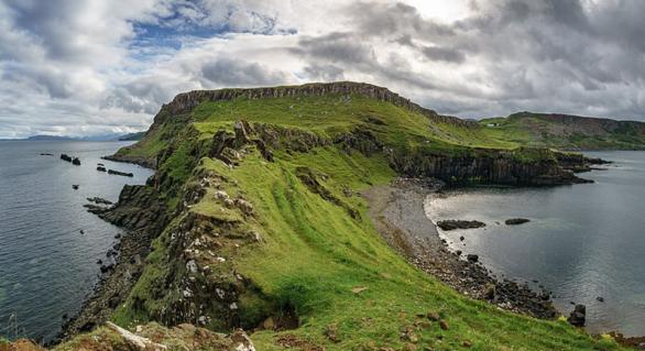 Amprente vechi de 150 de milioane de ani au fost descoperite în Scoția. Ar putea oferi informații importante cu privire la dinozauri