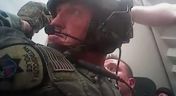 Poliția americană face publice primele imagini cu momentul în care oamenii legii intră asupra atacatorului din Las Vegas
