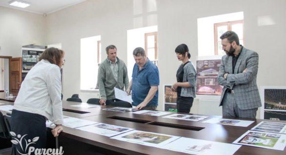 """(FOTO) Au fost desemnați câștigătorii concursului """"Sculptură pentru Parcul Meu"""". Iată lucrările care ar putea apărea în parcul """"Valea Trandafirilor"""""""