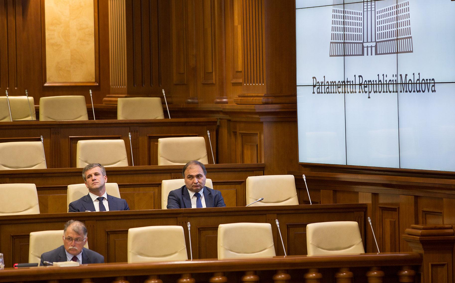Zis și făcut! Vasile Botnari numit de Parlament în funcția de director SIS. Ion Druță ajunge președinte al CSJ