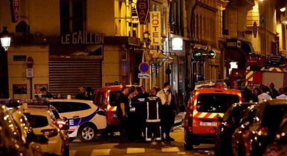 Un prieten al atacatorului cu cuțit de la Paris, inculpat și încarcerat. Două femei, reținute