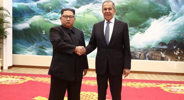 """Serghei Lavrov a avut o întrevedere oficială cu liderul nord-coreean Kim Jong Un. Este """"primul cetățean rus"""" care a avut parte de așa ceva"""
